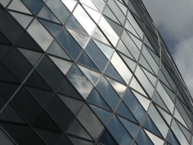City of London: the Gherkin – up close