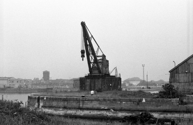 100 ton steam crane Alexandra Dock