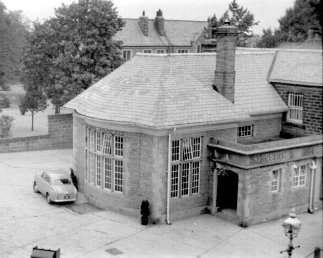 Mile Post public house, Leeds Road, 1955