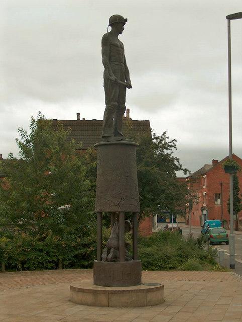Collier in Bronze