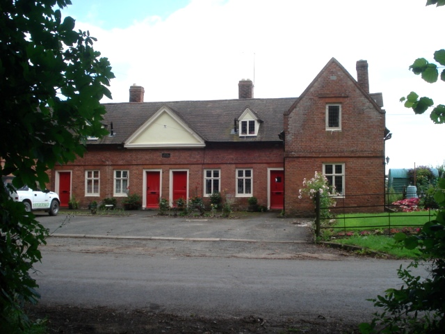 Pytts Cottages