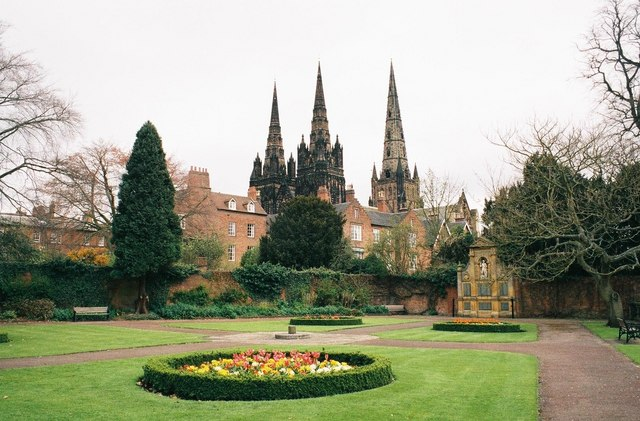 Lichfield: Garden of Remembrance and cathedral