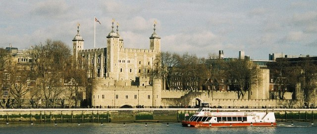 London: Tower of London from across the river
