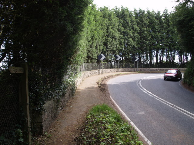 Bend on A379