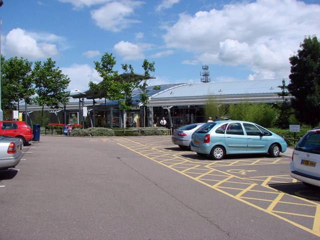 South Mimms Service Area, Junction A1(M) and M25