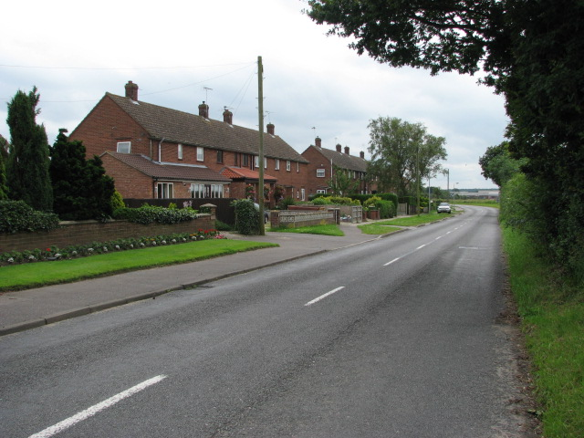 B1145 (Greens Road), looking south