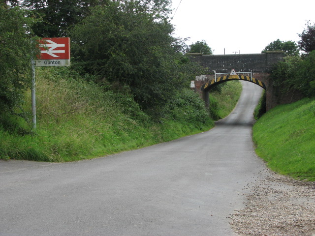 Approach to railway bridge, Gunton Station