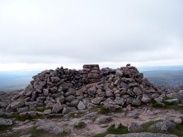 The summit of Beinn Dearg.