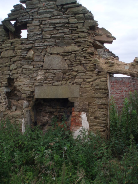 Inside ruined Cottages at Greenford Bridge