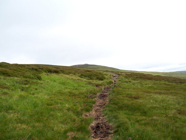 Path on the eastern flank of Beinn Dearg.
