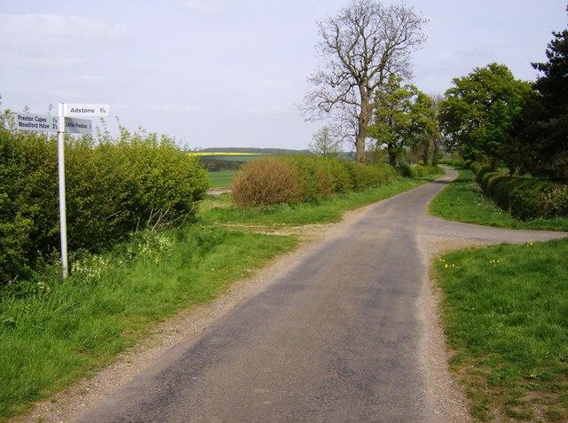 Macmillan Way near Adstone