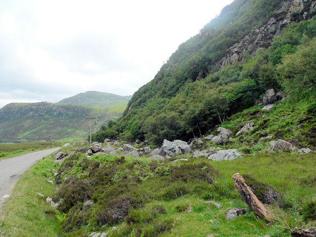 Base of Creag na Faoilinn, looking east