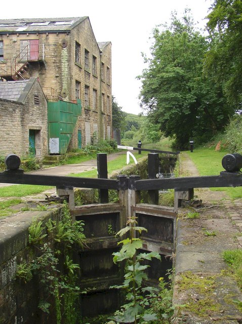Lock on the Huddersfield Narrow Canal, Golcar