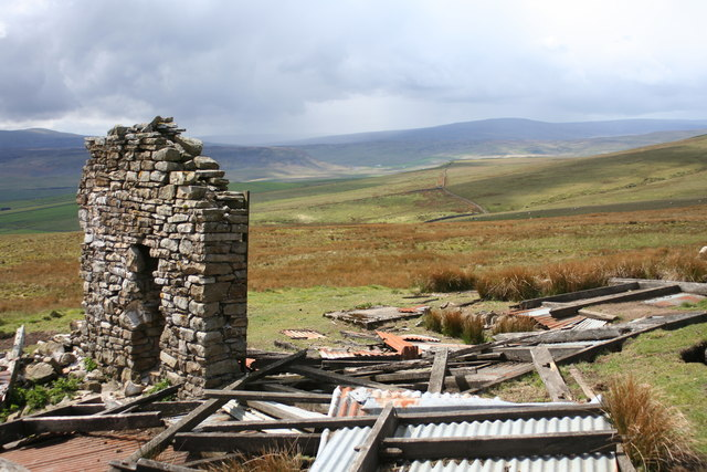Remains of shooting hut on Ettersgill Common
