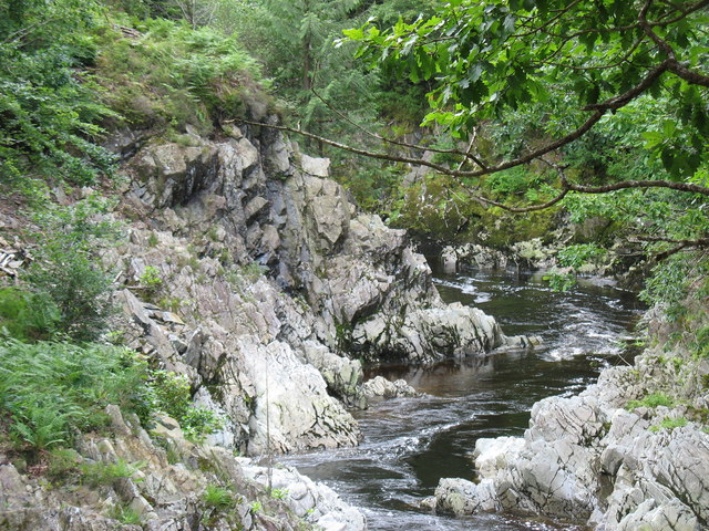 The rocky banks of the Mawddach