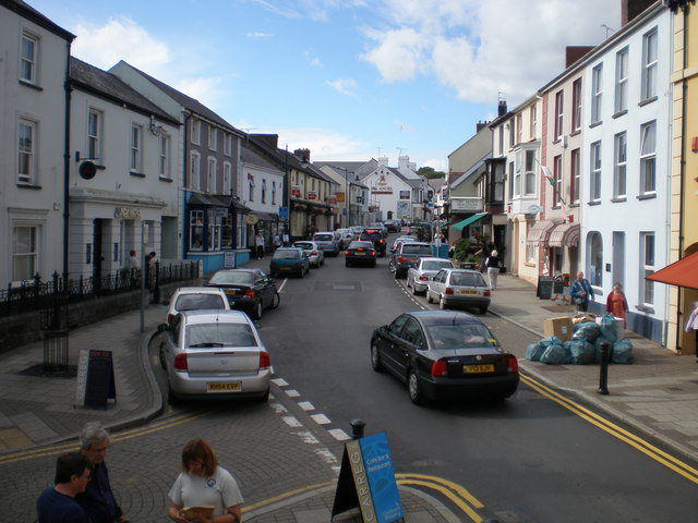 Narberth High St looking North.
