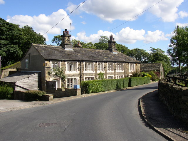 Row of houses, Syke Lane, Priestley Green, Hipperholme