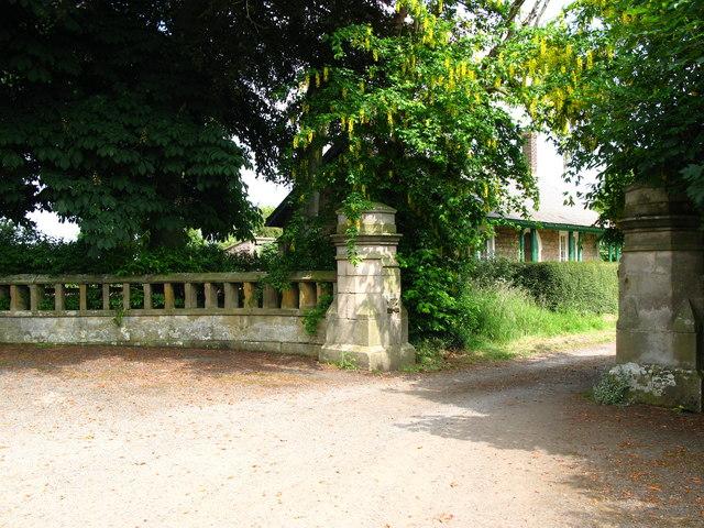 Lodge House, Charlton Hall