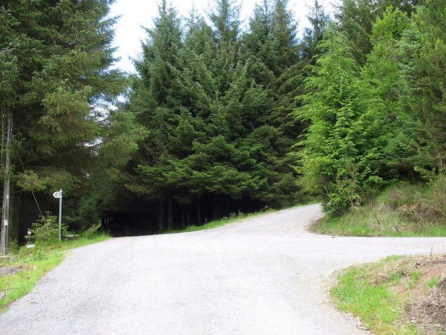 Cwmheisian-ganol crossroads