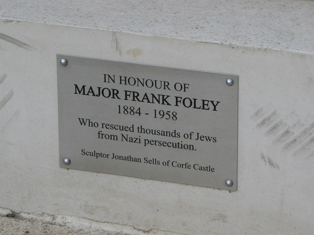 Plaque, statue in honour of Major Frank Foley, Highbridge