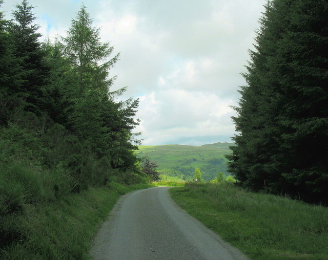 Road through the col to Hafod Fraith