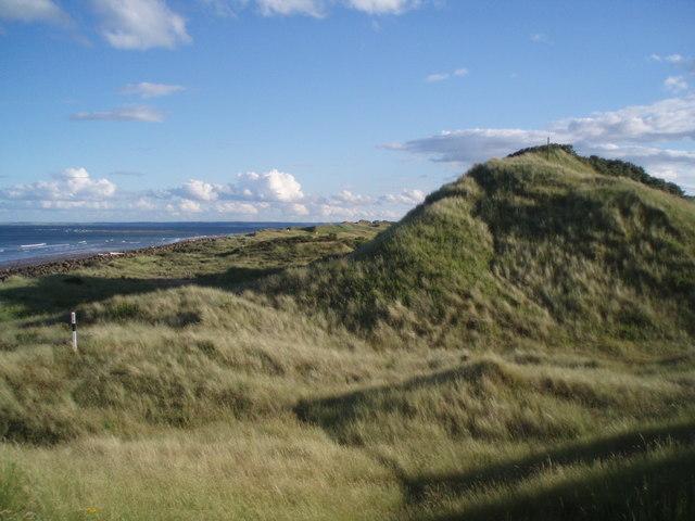 Dunes on the eastern coast of Buddon Ness