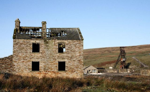 Abandoned cottage near Groverake mine