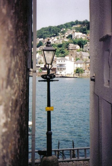 Looking down a narrow alley towards Kingswear