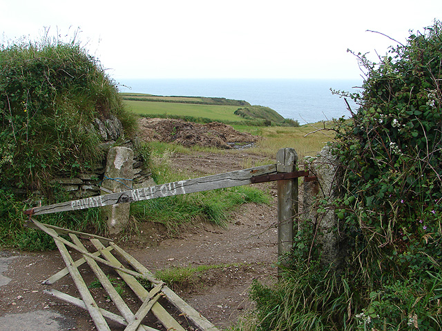 Distressed farm gate near Tregarverne