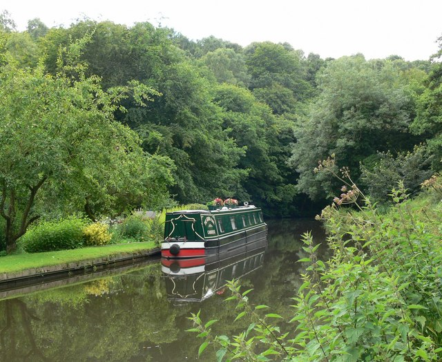 Another view of the Staffs & Worcs Canal