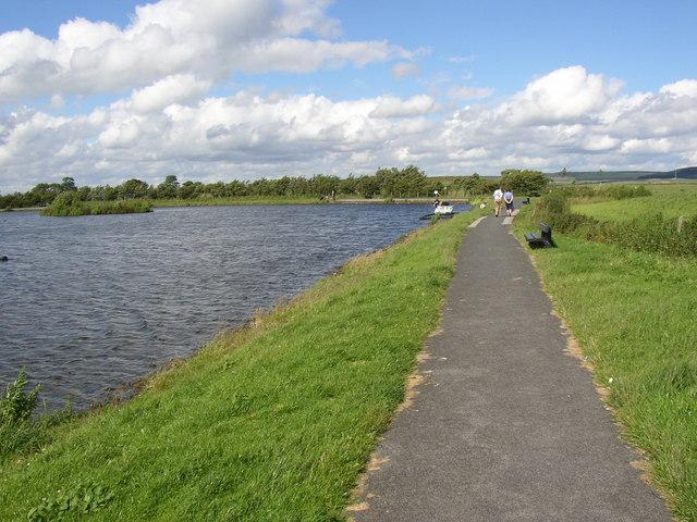 Path around Keighley Tarn, Keighley