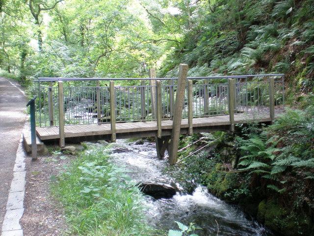 Pont Mur Mwswgl. (Mossy Wall Bridge)