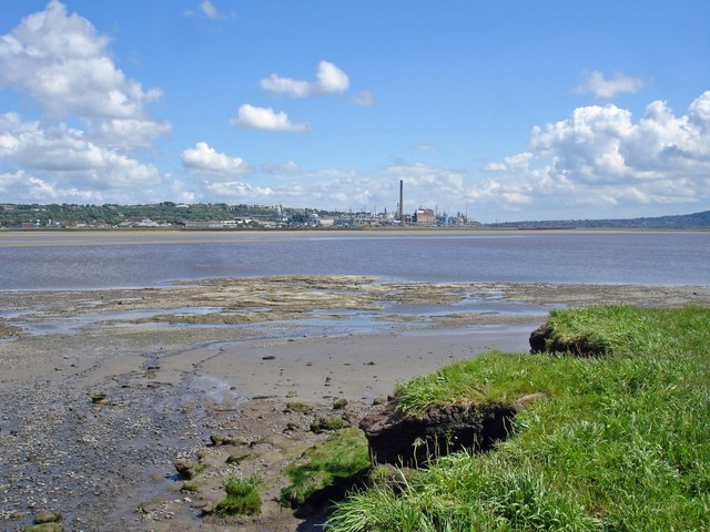 Beach and view across the Mersey, Hale