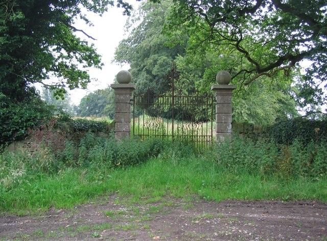 Gates to Shanks House