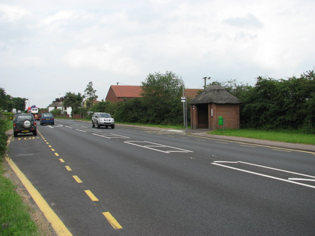 Thatched bus shelter, Cromer Road (A140)