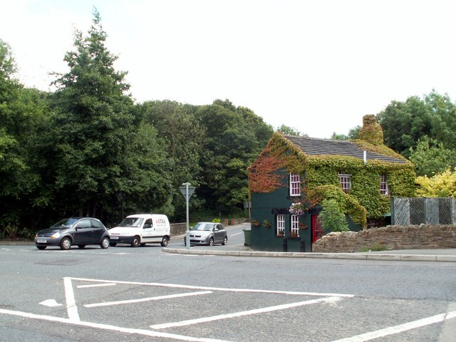The Cross Junction with the A628