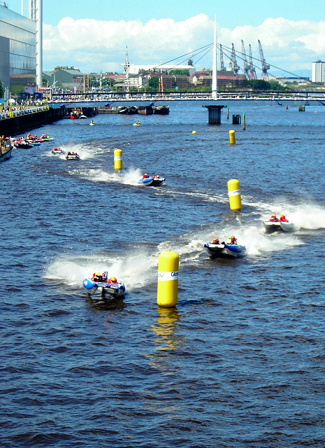 Zapcats Racing on the Clyde