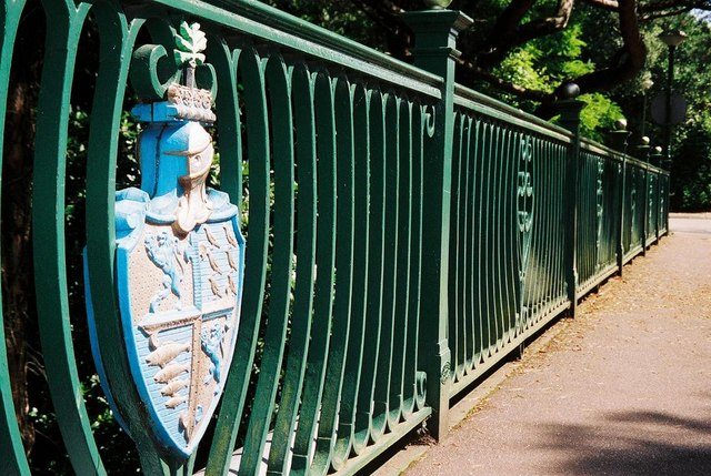 Bournemouth: coat of arms on bridge