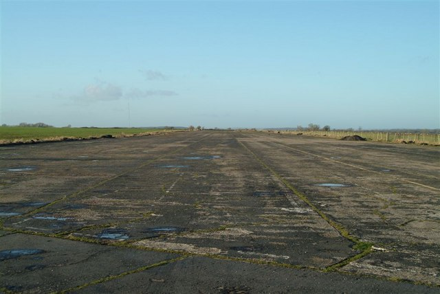 NW/SE runway at Upottery airfield