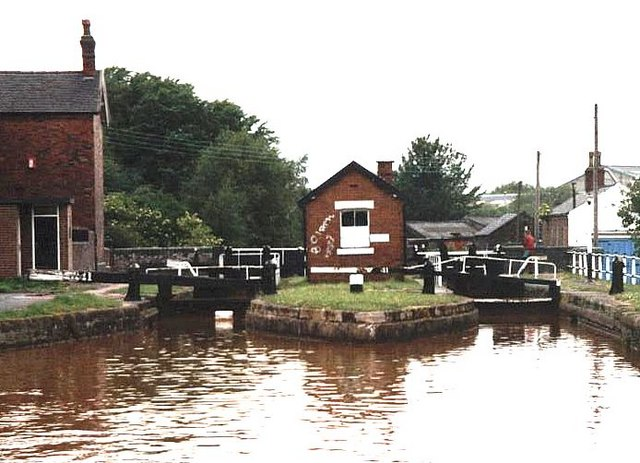 2002 : Lock 41 - Trent & Mersey Canal