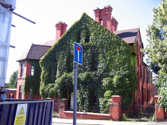 Kirkton House, Hunter Street