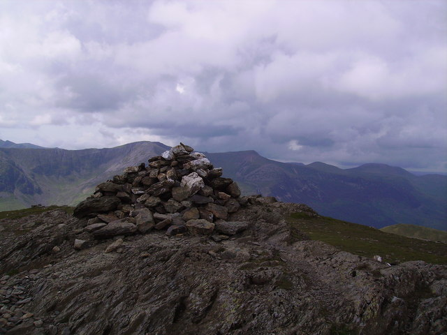 Summit Cairn, Robinson