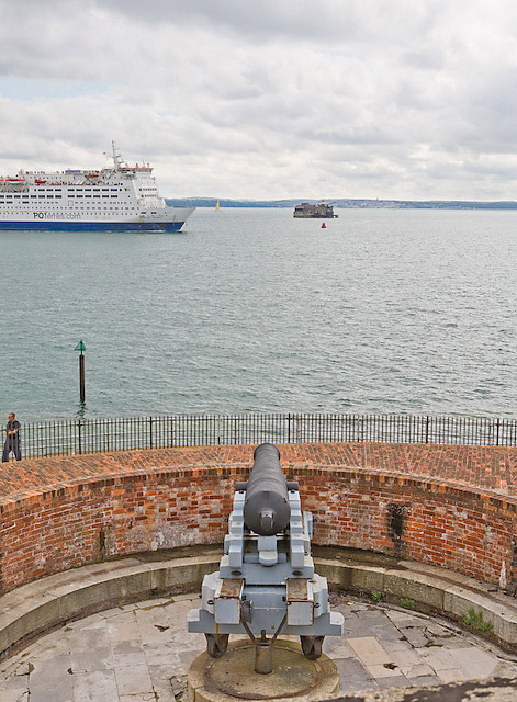 P & O ferry braves the guns of Southsea Castle