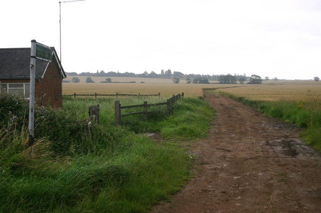 Bridleway off Low road