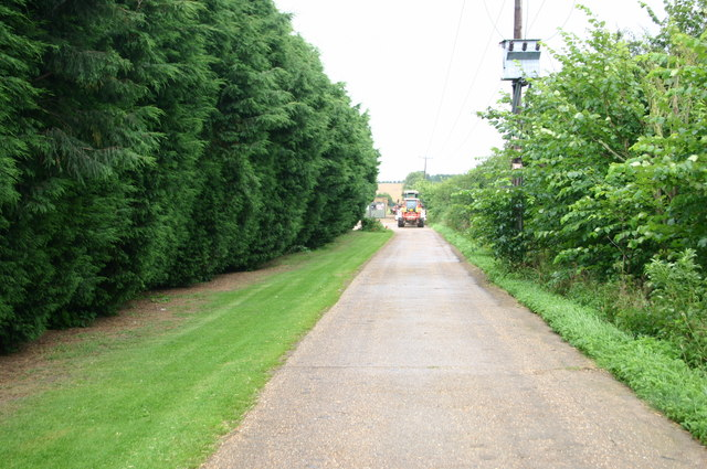 Lane up to Manor farm