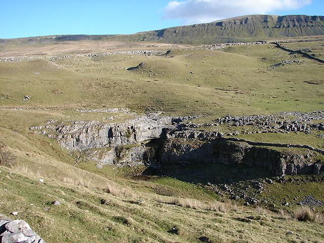 Limestone outcrop near Horton Scar