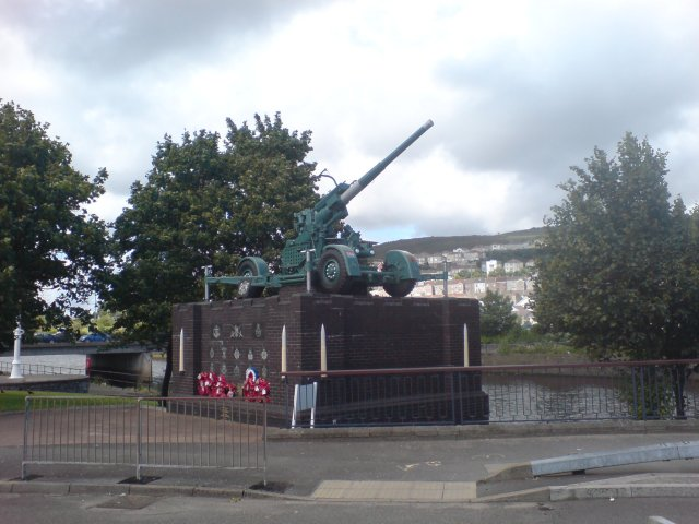 The Monument to the Air Defence of Swansea 1939-1945