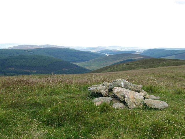 Summit Cairn, Eskielawn