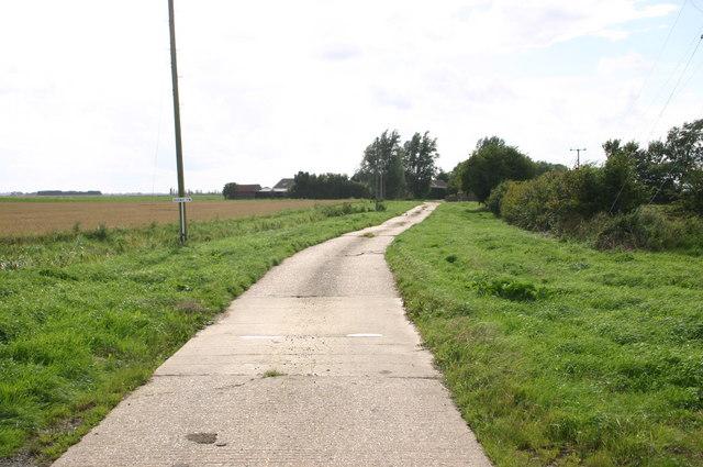 Barway farm approach road