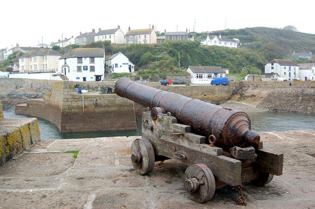 Cannon & Ship Inn, Porthleven Harbour
